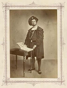 Christian Hansen i rollen som Hans Heiling. Klik for større billede