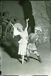 Billede fra balletten 'Ildfuglen'. Klik for større billede